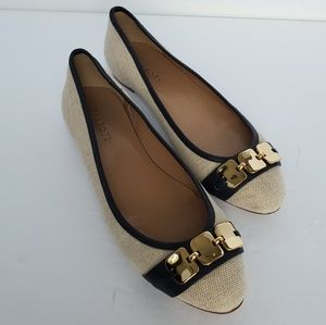 Talbots cream /natural flats with navy trim gold 9